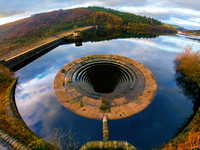 Ladybower Reservoir Plughole  From Above © Bob Riach