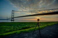 Camera at work taking a time lapse at the Humbre Bridge © Bob Riach